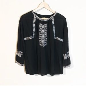 Lucky Brand | Boho Embroidered Peasant Top